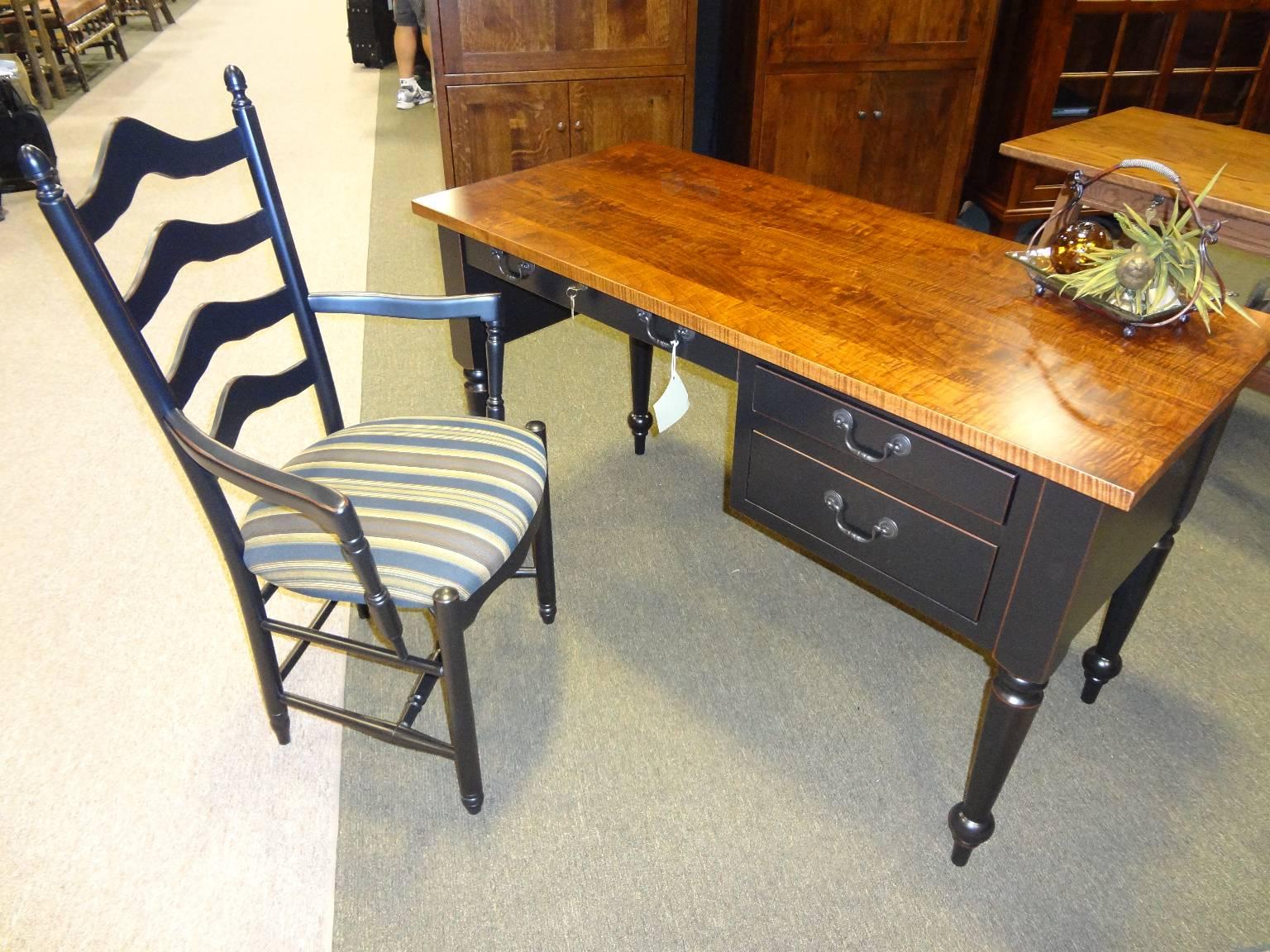Amish Desk In Tiger Maple Jasens Furniture